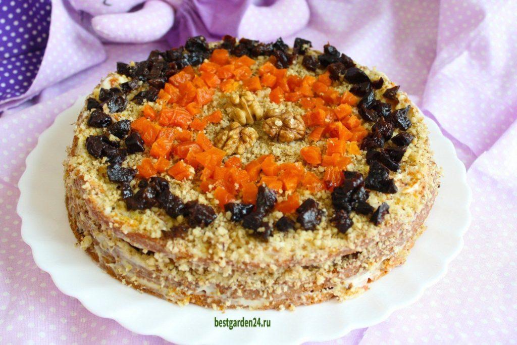 Морковный торт с творожным кремом