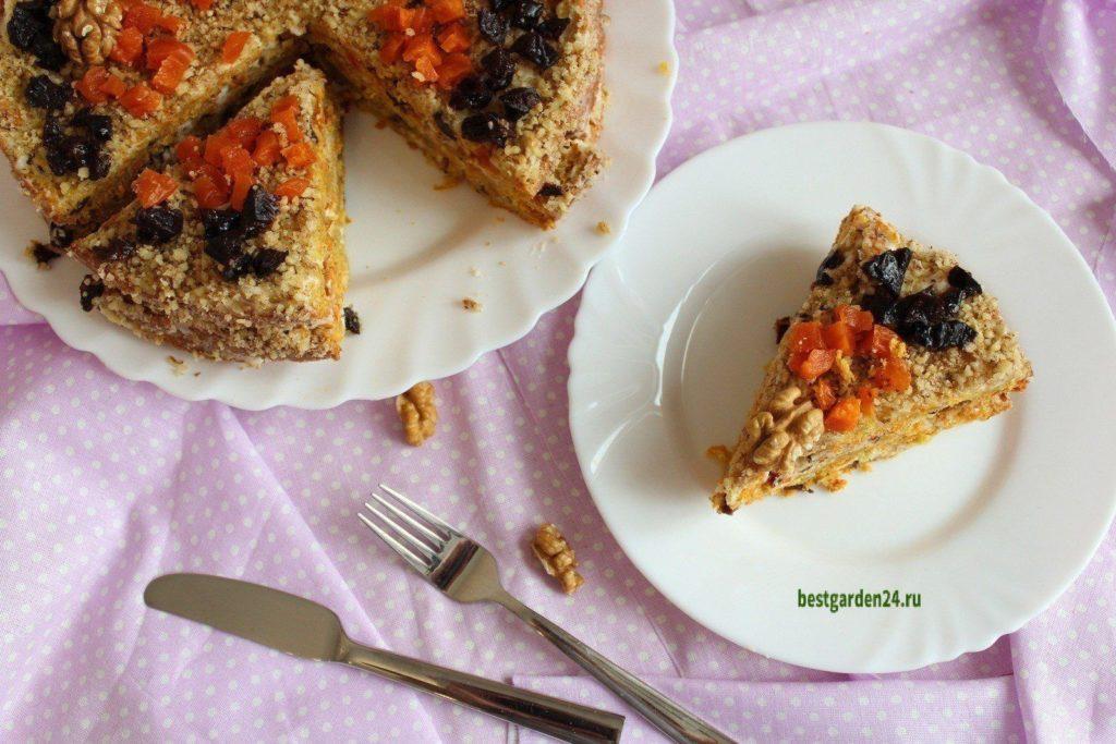 Кусочки морковного торта