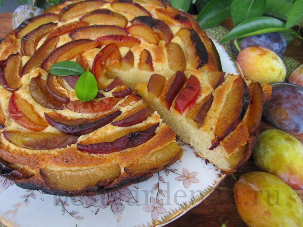 Сливовый пирог для чаепития