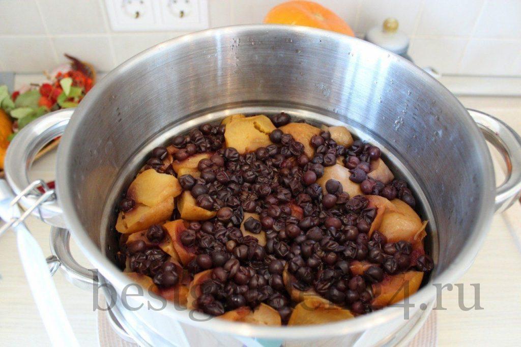 Варка сока из винограда и яблок