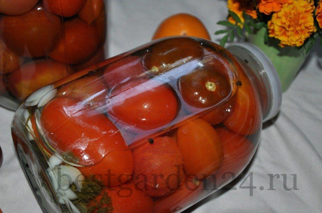 Квашеные помидоры в банке