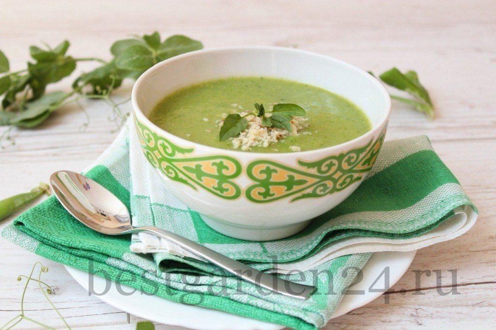 Суп-пюре с зеленым горошком и шпинатом