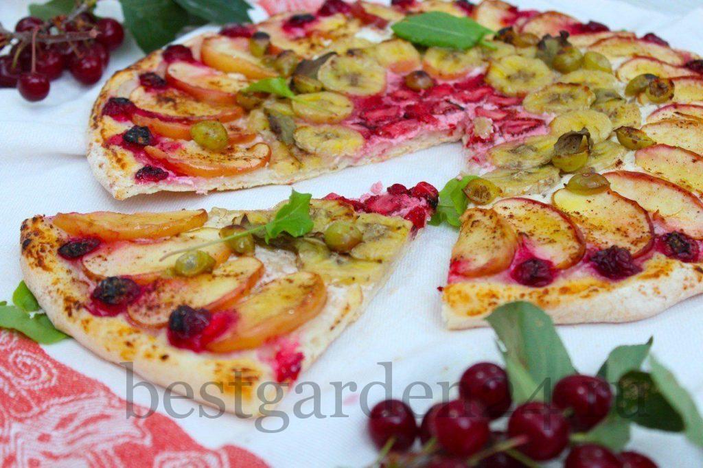Фруктовая пицца с ягодами