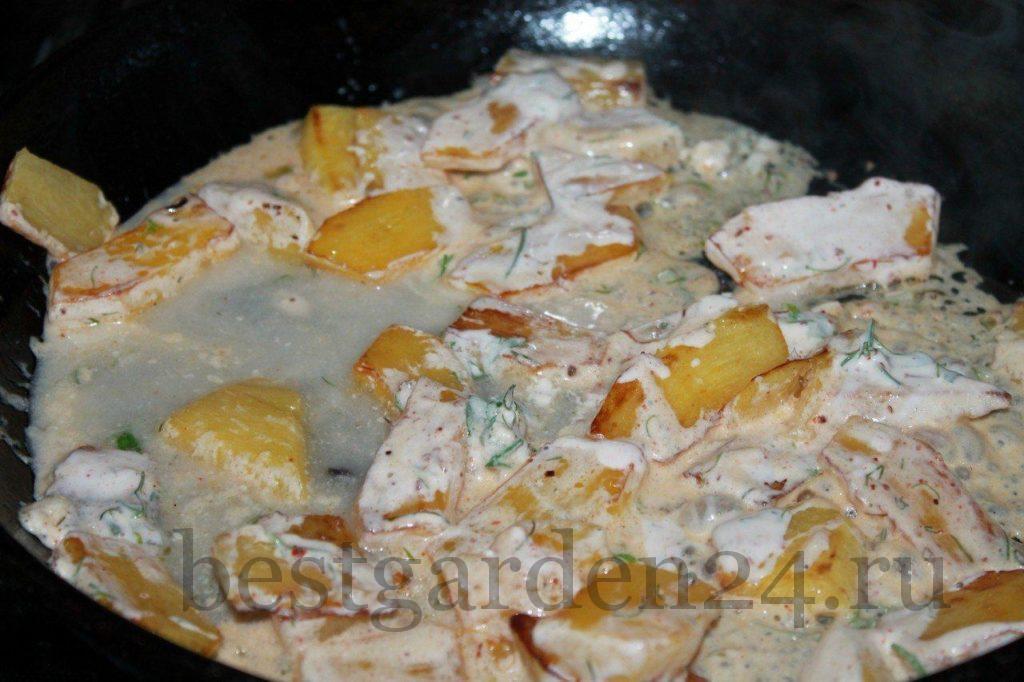 Тыква в сметанно-чесночном соусе