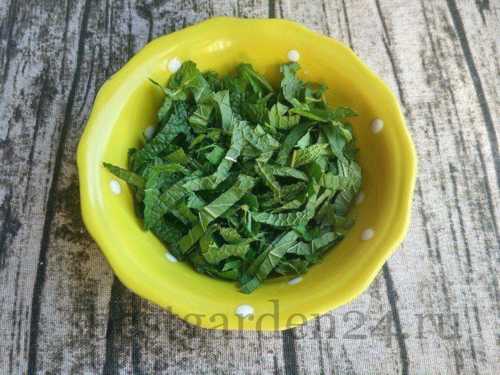 Зелень для салата зимний король с мятой