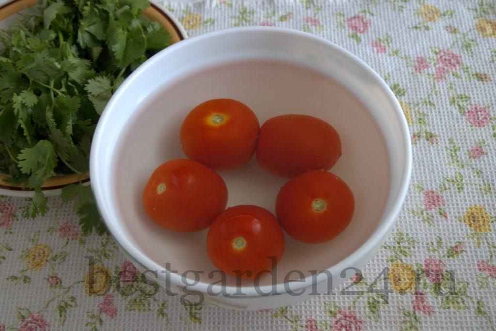 Красные томаты для аджики